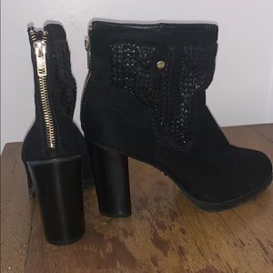 Women's Juicy Couture knit Mid ankle boots